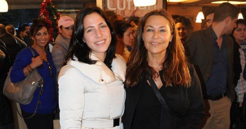 Zehra'ya annesi Avşar'dan 2,5 milyon dolarlık köşk