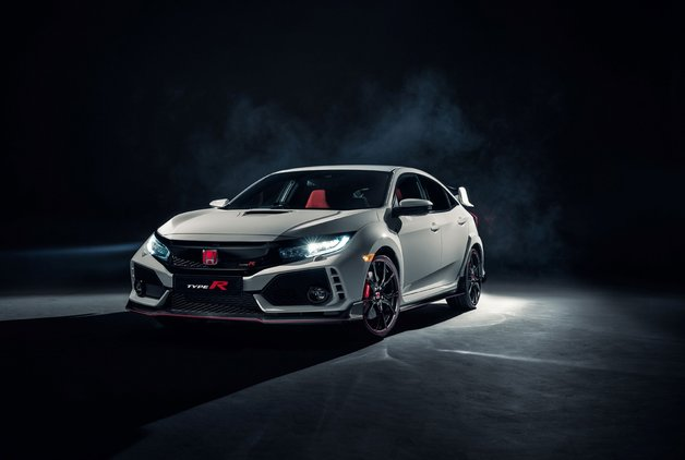 Honda Civic Type R makyaja hazırlanıyor