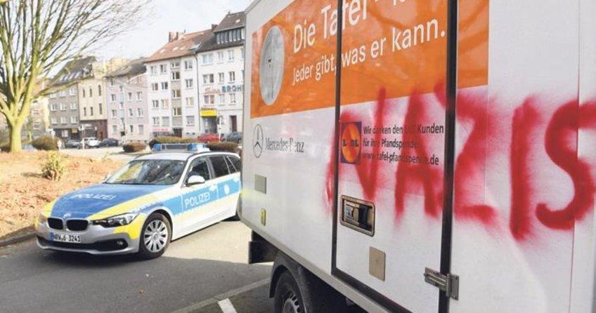 Irkçı Tafel, Merkel'e kafa tutuyor
