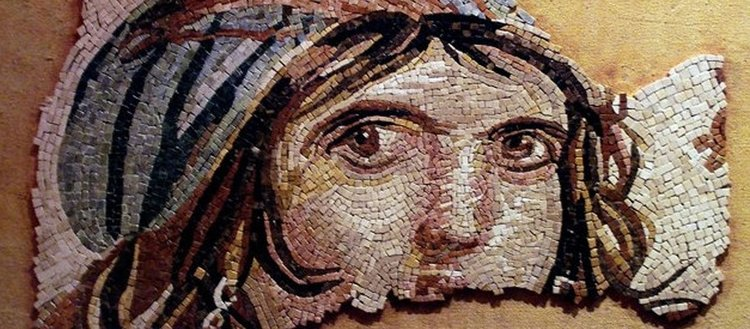 Çingene Kızı mozaiğinin parçaları sergiye hazırlanıyor