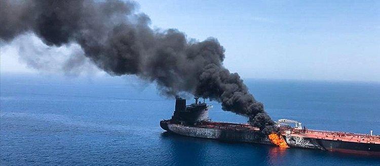 Suudi Arabistan'ın Cidde limanındaki bir petrol tankerinde patlama