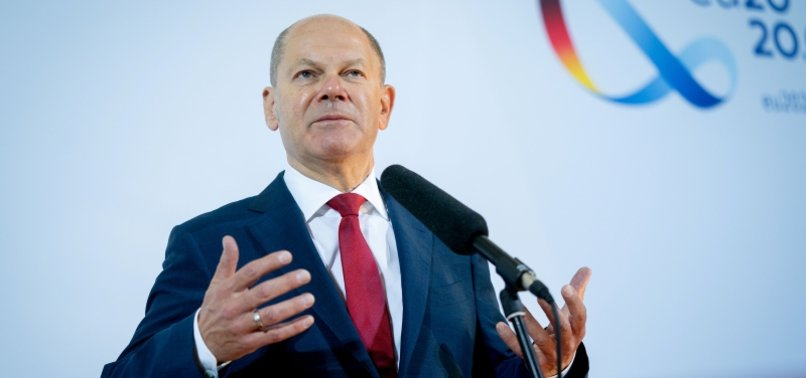 GERMAN FINANCE MINISTER WARNS UK TO RESPECT AGREEMENTS