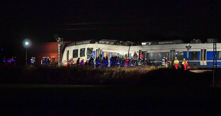 Almanyada tren kazası: 41 yaralı
