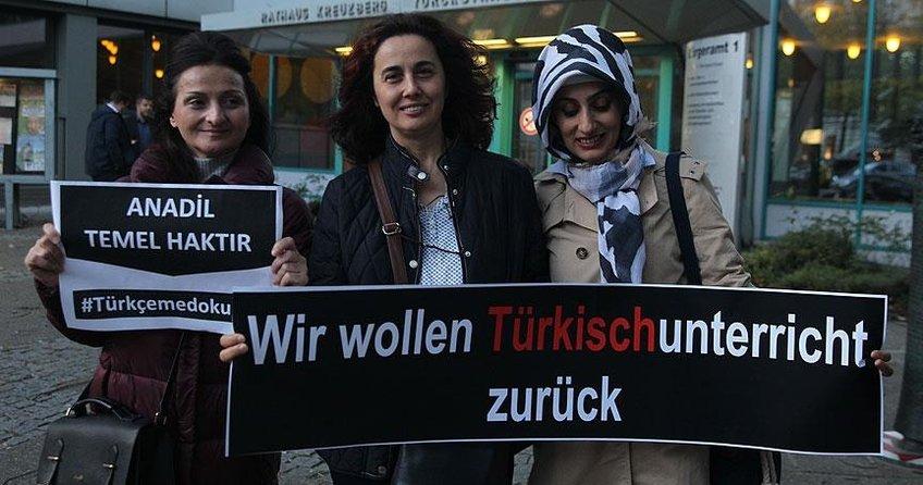 Berlinde Türkçeme dokunma protestosu