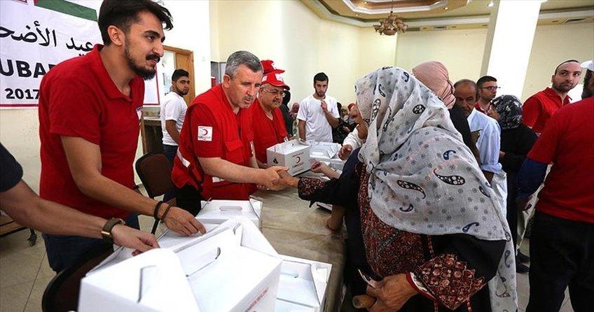 Türk Kızılayı Gazzede ihtiyaç sahiplerine ulaştı