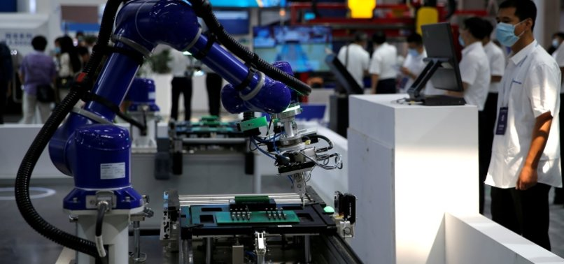 AS WORKERS AGE, ROBOTS TAKE ON MORE JOBS -STUDY