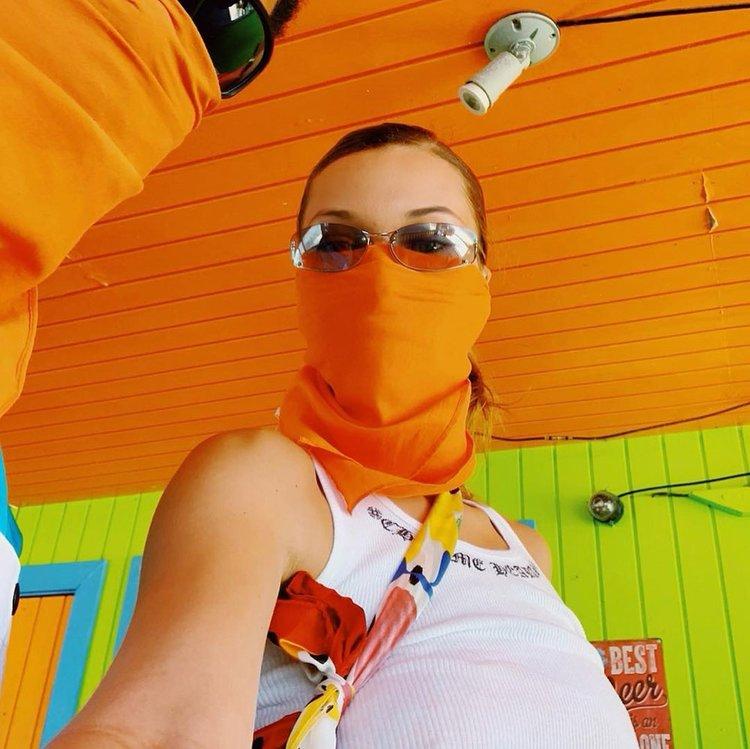 Bella Hadid'in tatil keyfi