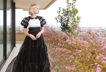 Yeni Marie Antoinette:Lucy Boynton