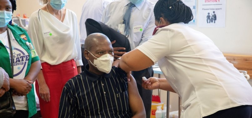SOUTH AFRICA RAPIDLY VACCINATES OVER 15,000 HEALTH WORKERS