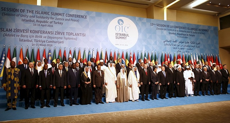 Leaders and representatives of the Organisation of Islamic Cooperation (OIC) member states pose for a group photo during the Istanbul Summit in Istanbul, Turkey April 14, 2016. (Reuters Photo)