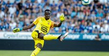 Chelsea sign goalkeeper Mendy from Rennes on five-year deal