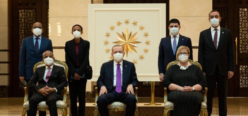 NEW ENVOYS PRESENT CREDENTIALS TO TURKISH PRESIDENT