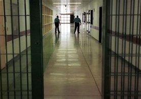 Cezaevi kasasından 10 bin lira çalan mahkum firar etti
