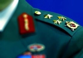 TSK'da görevli 7 general ve amiral emekliliğini istedi