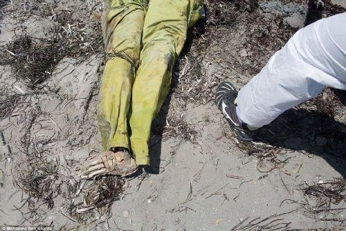 Libya'da yüzlerce ceset sahile vurdu
