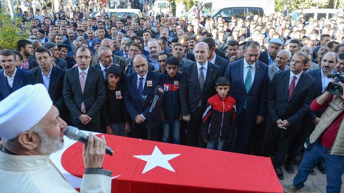 The funeral of Aydu0131n Muu015ftu, the AK Partyu2019s deputy head in the district of u00d6zalp of the southeastern province of Van.