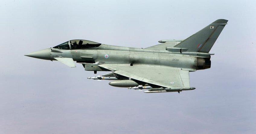 Katar, İngiltereden 24 savaş uçağı alıyor
