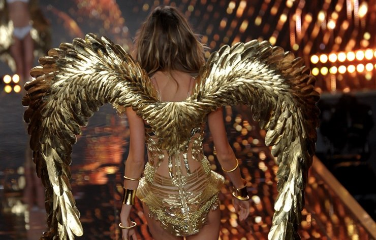 Victoria's Secret'ın her yıl geleneksel olarak Aralık ayında düzenlenen şovu için geri sayım başladı.