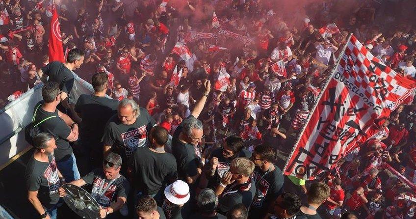 Düsseldorf'ta dev kutlama