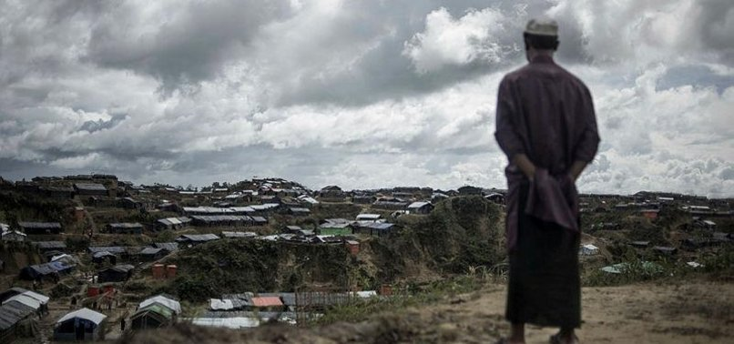 MUSLIMS IN MYANMAR RESUME WORSHIP AFTER MOB THREATS