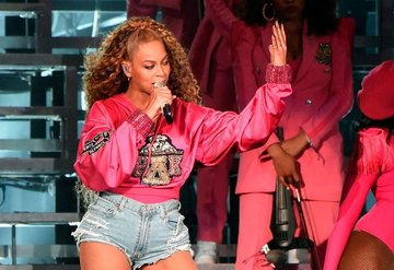 Beyoncenin Coachella sahnesinden albüm ve belgesel çıktı