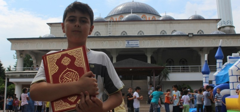 PLAY AND PRAY: MOSQUES PLAYGROUND DRAWS KIDS