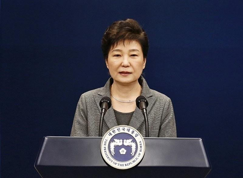 Park Geun-hye makes a live televised address in Seoul, South Korea on 29 November 2016. (AP Photo)