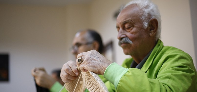 SENIOR TURKISH MEN FIGHT BACK AGAINST MEMORY LOSS BY LEARNING TO KNIT