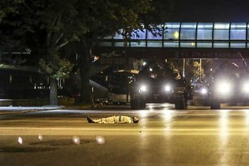 Türkiyenin en kara gecesinin tanıkları anlatıyor
