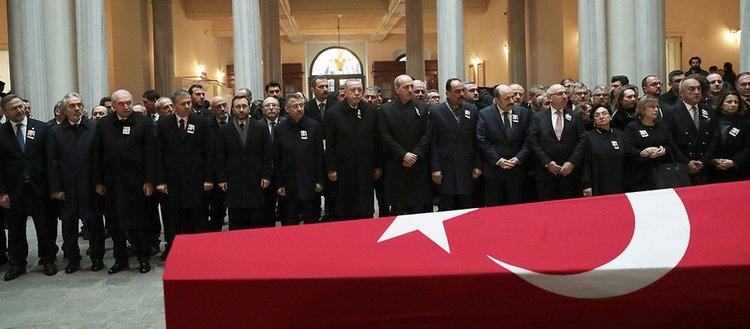 Tarihçi Prof. Dr. Kemal Karpat, son yolculuğuna uğurlandı