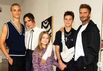 Victoria Beckham İlkbahar/yaz 2021 koleksiyonunu sundu