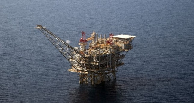 An Israeli natural gas drilling platform in the Mediterranean. The normalization of ties between Turkey and Israel proposes the transfer of Mediterranean gas to Europe through Turkey.