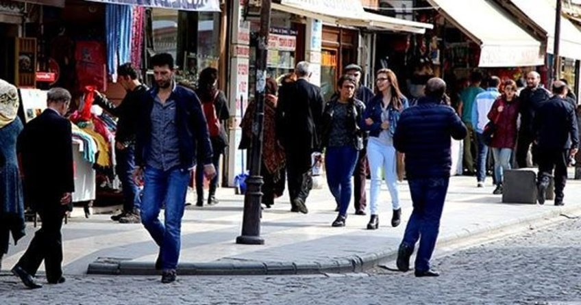 Diyarbakır'da mağduriyet yaşayan esnafa faizsiz kredi verilecek