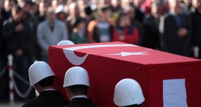 استشهد جنديان تركيان وجُرح آخران، اليوم السبت، في اشتباكات مع مسلحي منظمة