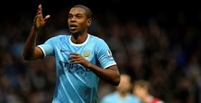 City midfielder Fernandinho signs contract extension