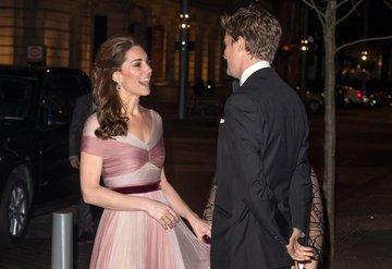 Kate Middleton'ın gala şıklığı