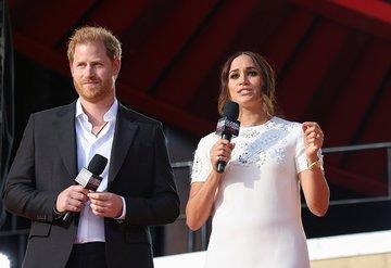 Meghan Markle ve Prens Harry yine eleştiri oklarının hedefinde...