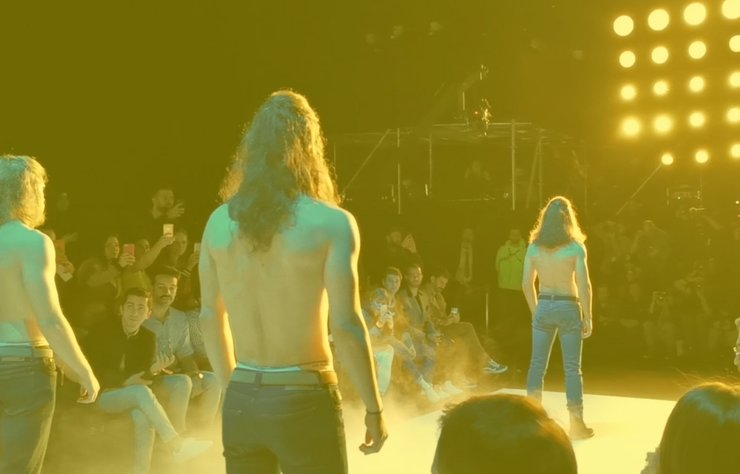 """Mercedes-Benz Fashion Week Istanbul AW'19   3.gün"" haberi için..."