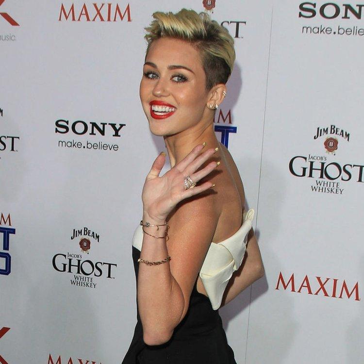 Miley Cyrus'tan sağlık çalışanlarına destek!