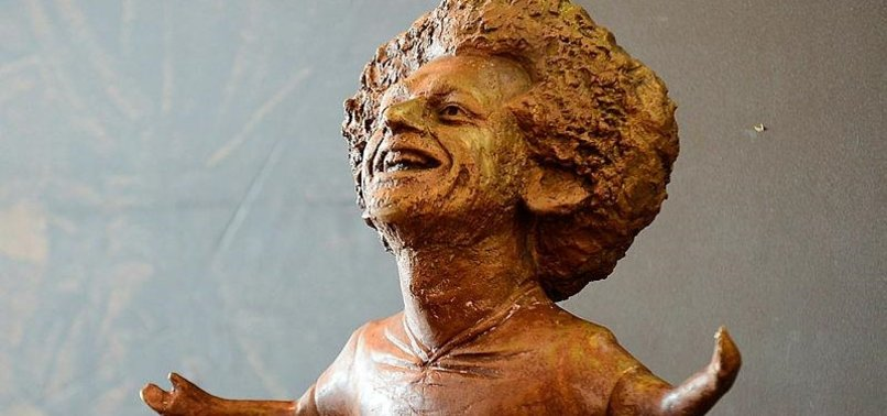 SALAH STATUE IN EGYPT CRITICIZED FOR POOR RESEMBLANCE