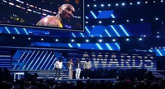 62'nci Grammy Ödülleri'nde Kobe Bryant anıldı!