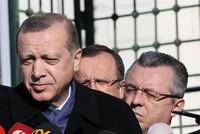 قال الرئيس التركي، رجب طيب أردوغان، إن جمهورية شمال قبرص تبذل جهودًا مكثفة لإنجاح المفاوضات وحل قضية الجزيرة، لكن قبرص الجنوبية واليونان لا تزالان تتبنيان تطلعات مختلفة، وإن بلاده أوضحت للجانب...
