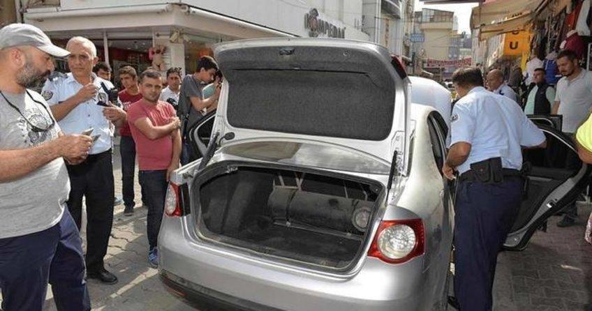 Adana'da 'bombalı araç' paniği