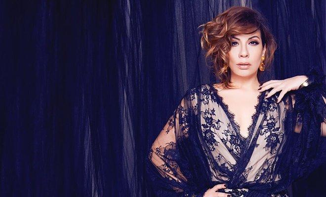 Işın Karaca Şarkıcı Olmak İsteyenlere Yol Açıyor!..