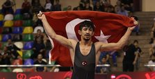 World Championship: Turkish wrestler wins gold