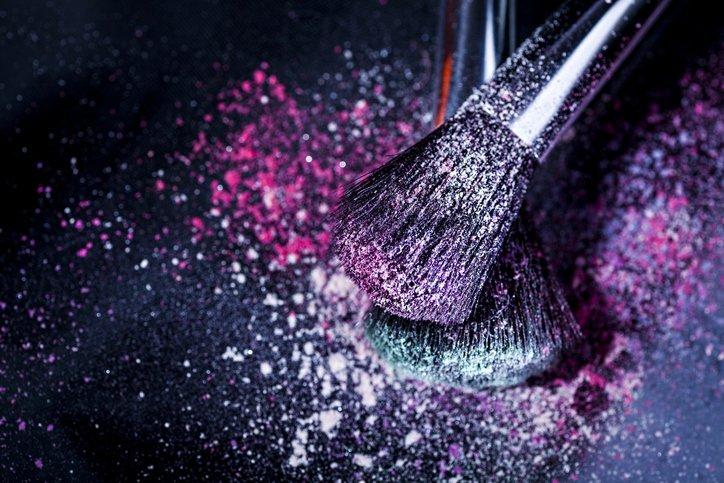 2020'nin güzellik trendi: Rengarenk Farlar