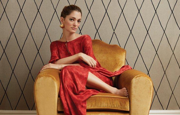 Sofia Sanchez De Betak için bir couture defilesini en ön sıradan izlemek ile dünyanın en ücra köşesine seyahat etmek aynı derecede heyecan verici. 33 yaşındaki Arjantinli influencer'a annesinden miras kalan seyahat tutkusu, markası Chufy için tasarladığı her parçada kendini gösteriyor.