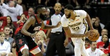 Davis shines as Pelicans rout Rockets in season opener