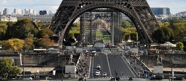 Uzmanlara göre Fransa ekonomik krizin faturasını Müslümanlara çıkarıyor