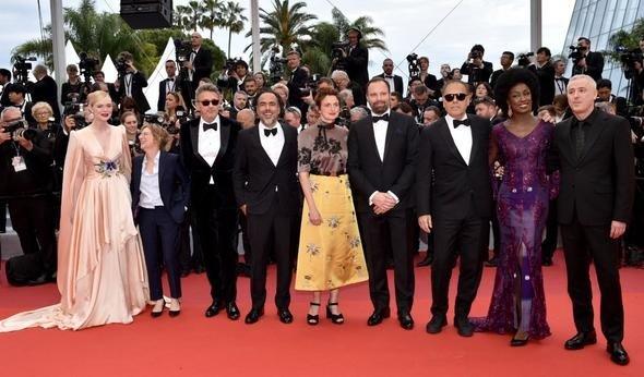 72. Cannes Film Festivali'nde kırmızı halı şıklığı